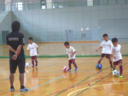 サッカー練習(低い)